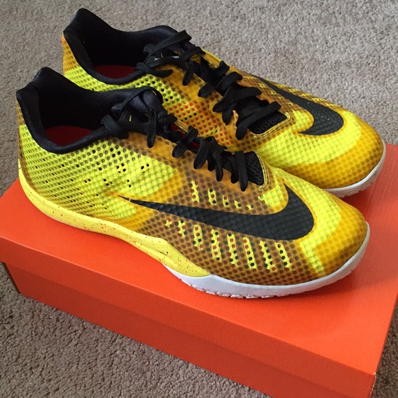 Nike HyperLive Basketball Shoes $47